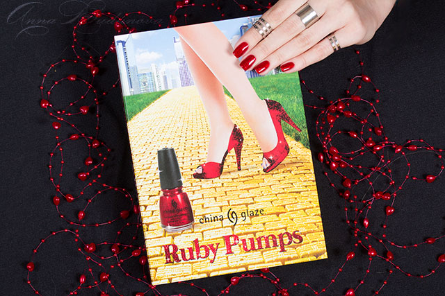 china+glaze-ruby+pumps-limited-edition-book (4)