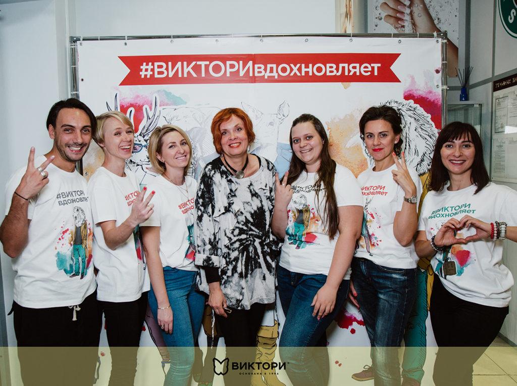 Творческий мастер-класс Юлии Резниковойв школе маникюра ВИКТОРИ
